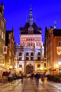 Fotos Danzig Polen Haus Straße Straßenlaterne Nacht