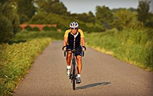 Images Roads Man Bokeh Moving Front Bicycle Glasses Helmet Sport