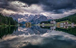 Hintergrundbilder Italien Gebirge See Gebäude Wälder Landschaftsfotografie Alpen Wolke Lake Misurina