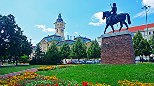 Fotos Ungarn Haus Denkmal Rasen Bäume Szeged Städte