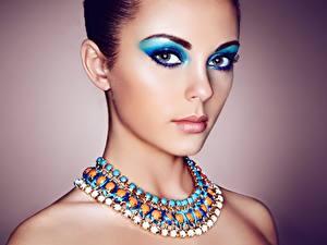 Bilder Schmuck Halsketten Make Up Blick Schön Mädchens
