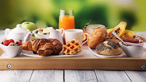 Photo Juice Croissant Buns Boards Breakfast Highball glass Cup Food