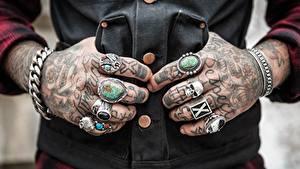 Fotos Finger Großansicht Cranium Hand Tätowierung Ring
