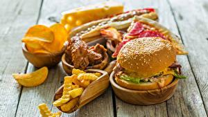 Fotos Fast food Burger Fritten Bretter
