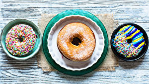 Bilder Backware Donut Bretter Teller Drei 3 Design Lebensmittel