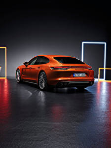 Bilder Porsche Orange Metallisch Hinten Panamera Turbo S (971), 2020 auto