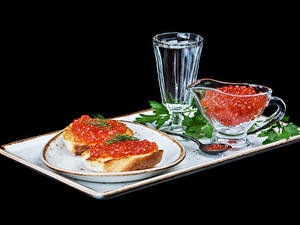 Bilder Butterbrot Kaviar Wodka Brot Schwarzer Hintergrund Teller Dubbeglas