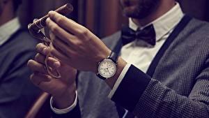 Fotos Uhr Armbanduhr Hand Zigarre Switzerland, Vacheron Constantin