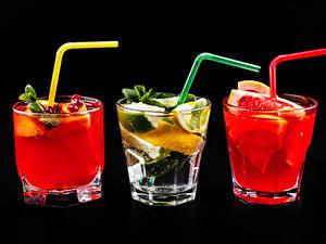 Fotos Alkoholische Getränke Cocktail Zitrusfrüchte Schwarzer Hintergrund Drei 3 Dubbeglas Trinkglas Lebensmittel