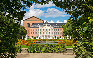 Picture Germany Building Fountains Sculptures Palace Kurfuerstliches Palais Trier Cities
