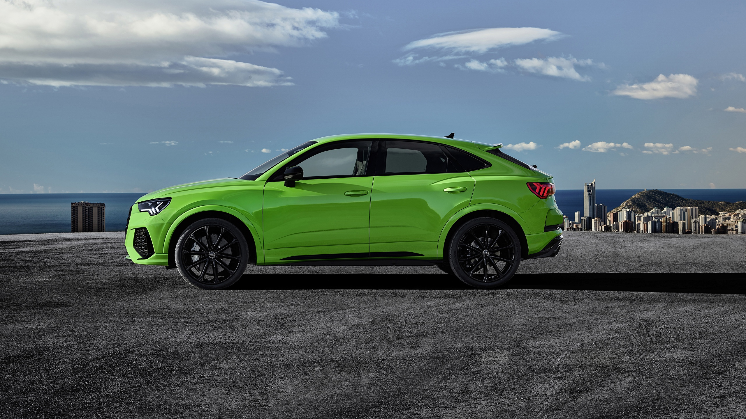 Picture Audi Cuv Sportback 2020 Rs Q3 Green Side 2560x1440