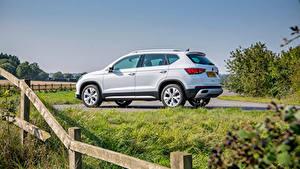 Hintergrundbilder Seat Softroader Weiß Metallisch Seitlich Ateca Xperience, UK-spec, 2020 auto