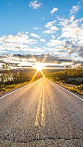 Desktop hintergrundbilder Himmel Straße Morgen Lappland Landschaft Finnland Wolke Sonne Asphalt  Natur