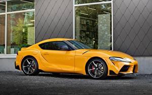 Hintergrundbilder Toyota Gelb Metallisch Seitlich Supra GR, A90, mk5, Gazoo Racing automobil