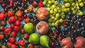 Bilder Obst Kirsche Erdbeeren Weintraube Pfirsiche