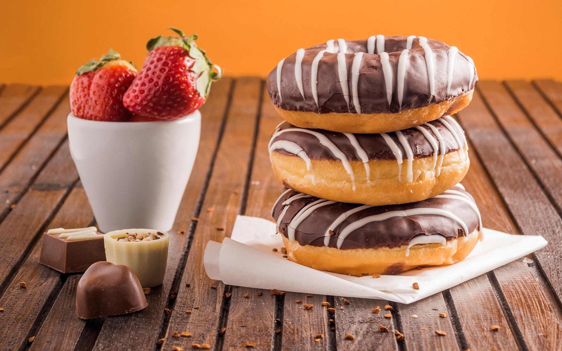 Pictures Chocolate Candy Donuts Strawberry Food 1920x1200 Doughnut