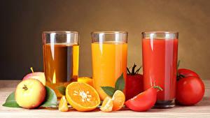 Fotos Saft Äpfel Tomate Apfelsine Drei 3 Trinkglas Lebensmittel