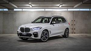 Image BMW White Metallic Crossover 2018-19 X5 M50d Cars