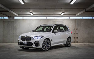 Image BMW White Metallic Crossover 2018-19 X5 M50d Cars