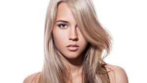 Fotos Schöner Haar Gesicht Starren Weißer hintergrund Dunkelbraun junge frau