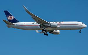Hintergrundbilder Boeing Flugzeuge Verkehrsflugzeug Seitlich Cargojet Airways, 767-300F