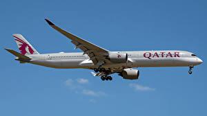 Bilder Airbus Flugzeuge Verkehrsflugzeug Seitlich A350-1000, Qatar Airways Luftfahrt
