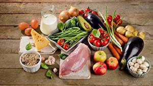 Fotos Fleischwaren Gemüse Milch Käse Pilze Äpfel Bretter Kanne Ei