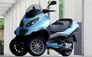 Hintergrundbilder Motorroller