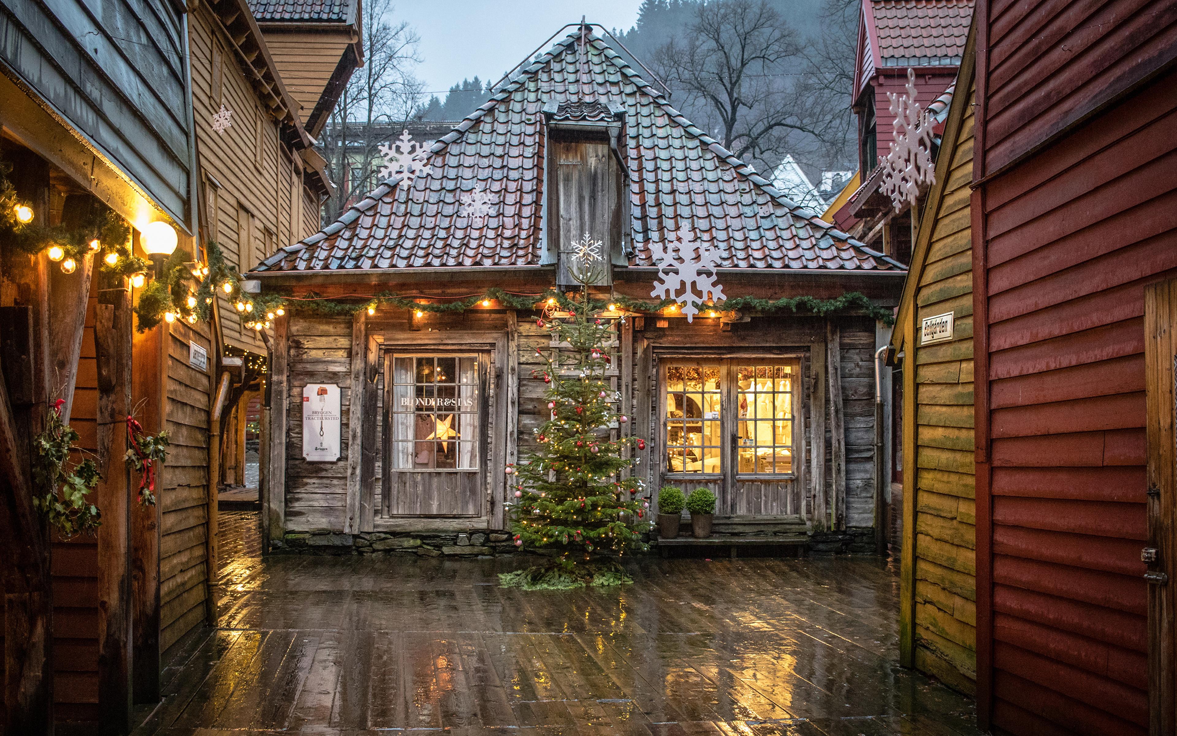 Christmas In Norway.Image Cities Norway Christmas Bryggen Bergen Fairy Lights