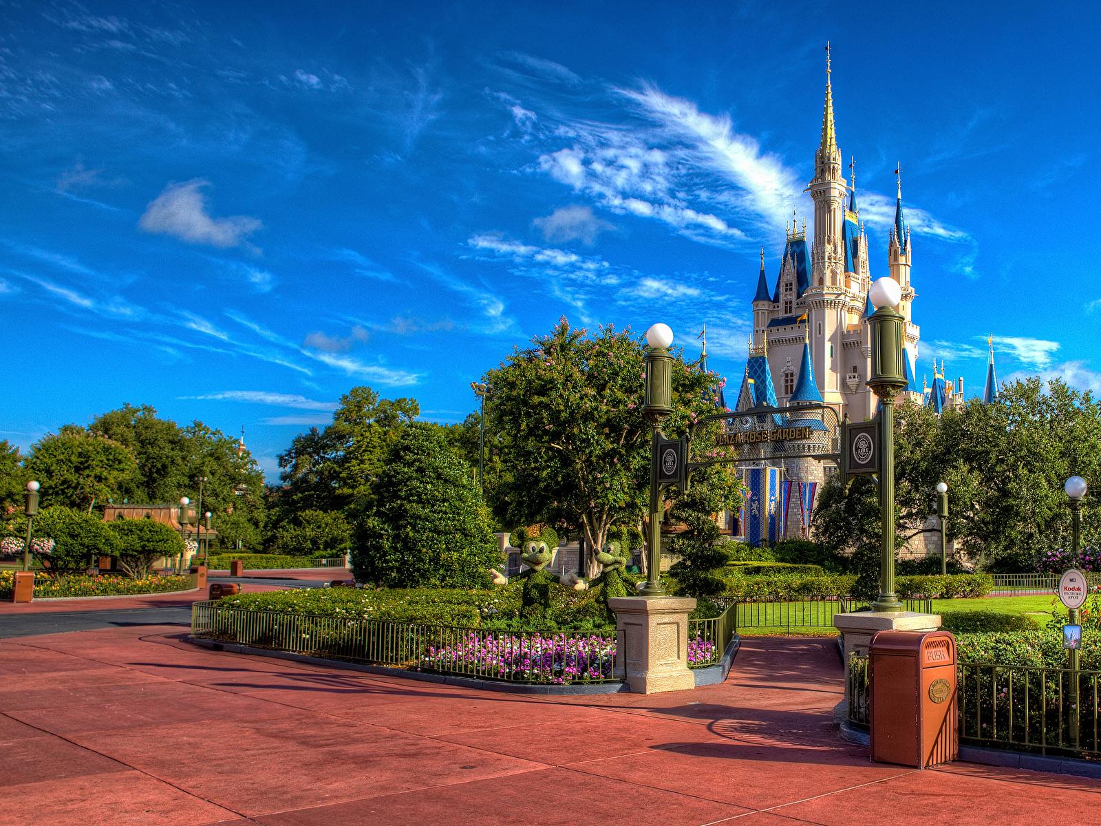 Bilder Anaheim Kalifornien Disneyland USA HDR Burg Park Straßenlaterne Städte Design 1600x1200 Vereinigte Staaten HDRI