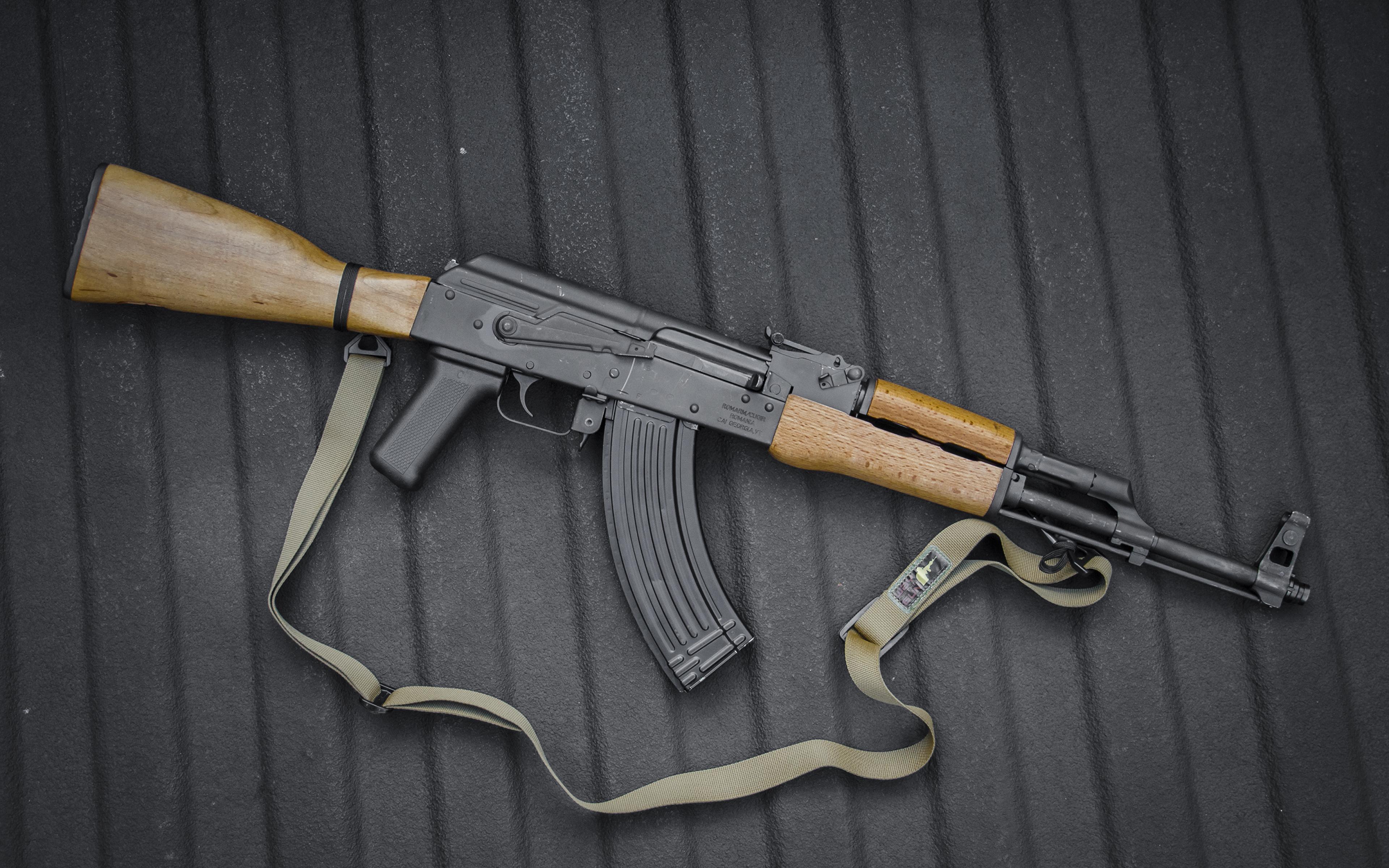 Fotos AK 47 Sturmgewehr russischer Heer 3840x2400 Kalaschnikow Russische russisches