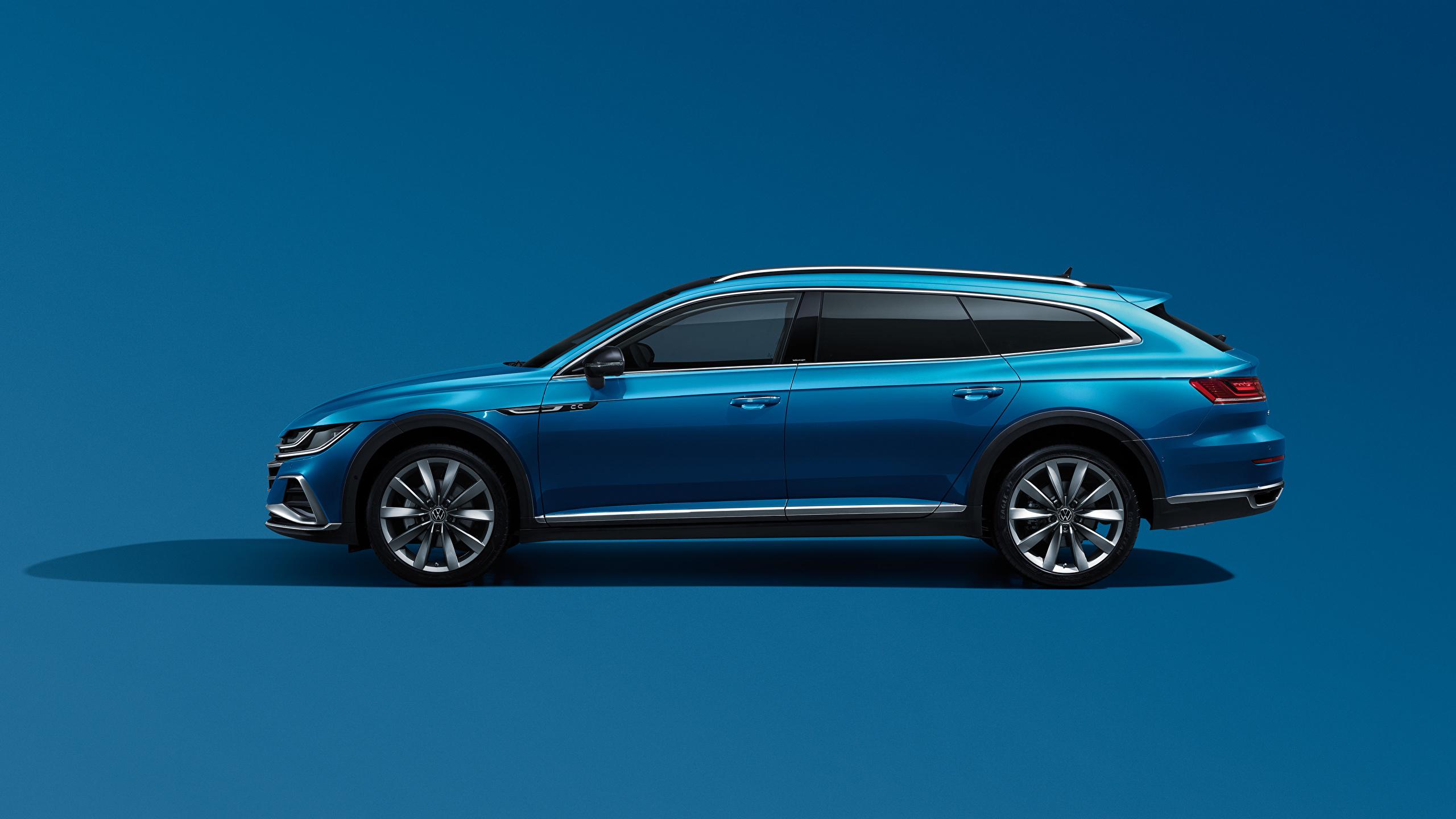Desktop Hintergrundbilder Volkswagen Kombi CC Shooting Brake 380 TSI, China, 2020 Blau Autos Seitlich Metallisch Farbigen hintergrund 2560x1440 auto automobil