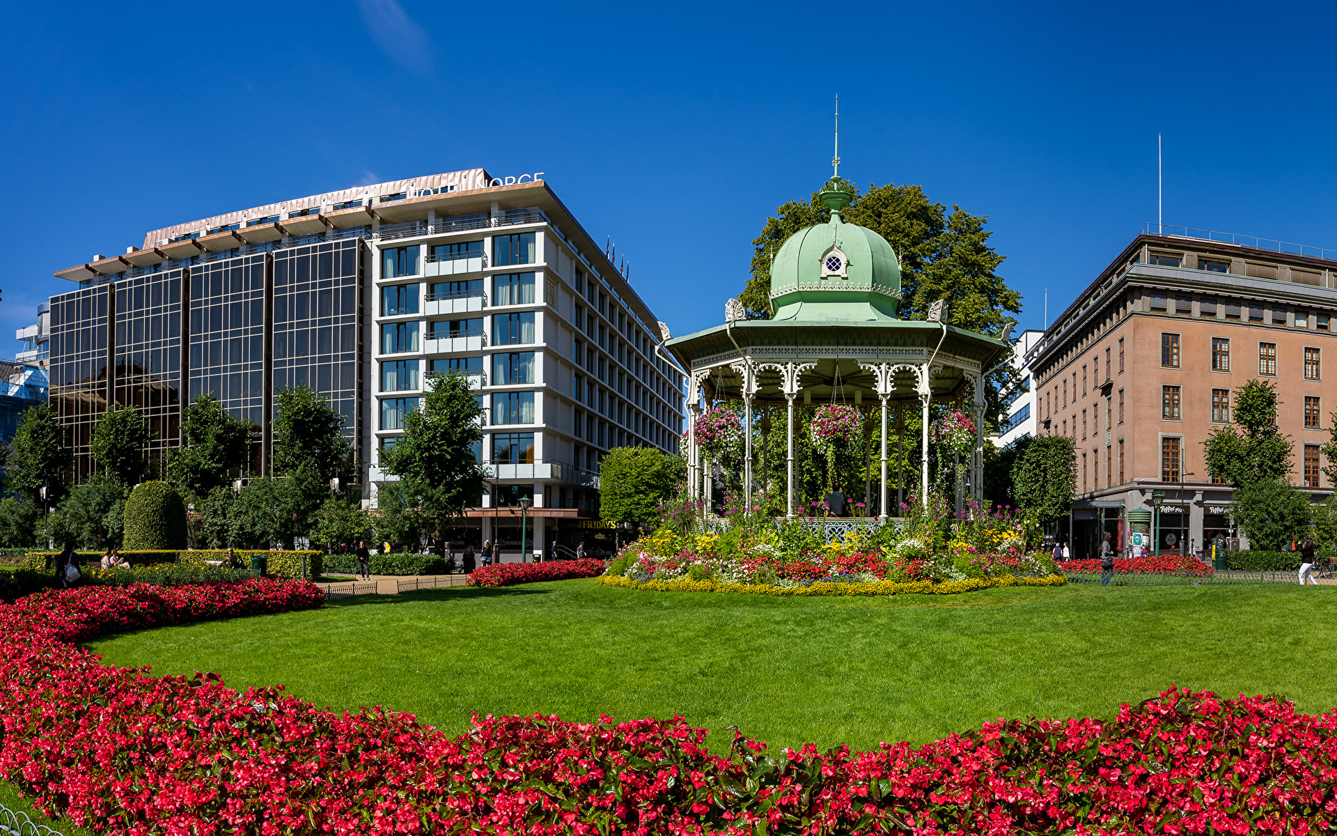 Pictures Bergen Norway Begonia Lawn Cities Building 1920x1200 Houses