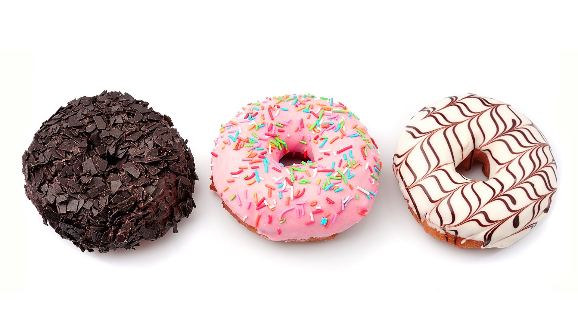 Foto Schokolade Donut Drei 3 Lebensmittel Backware Weißer hintergrund 1920x1080