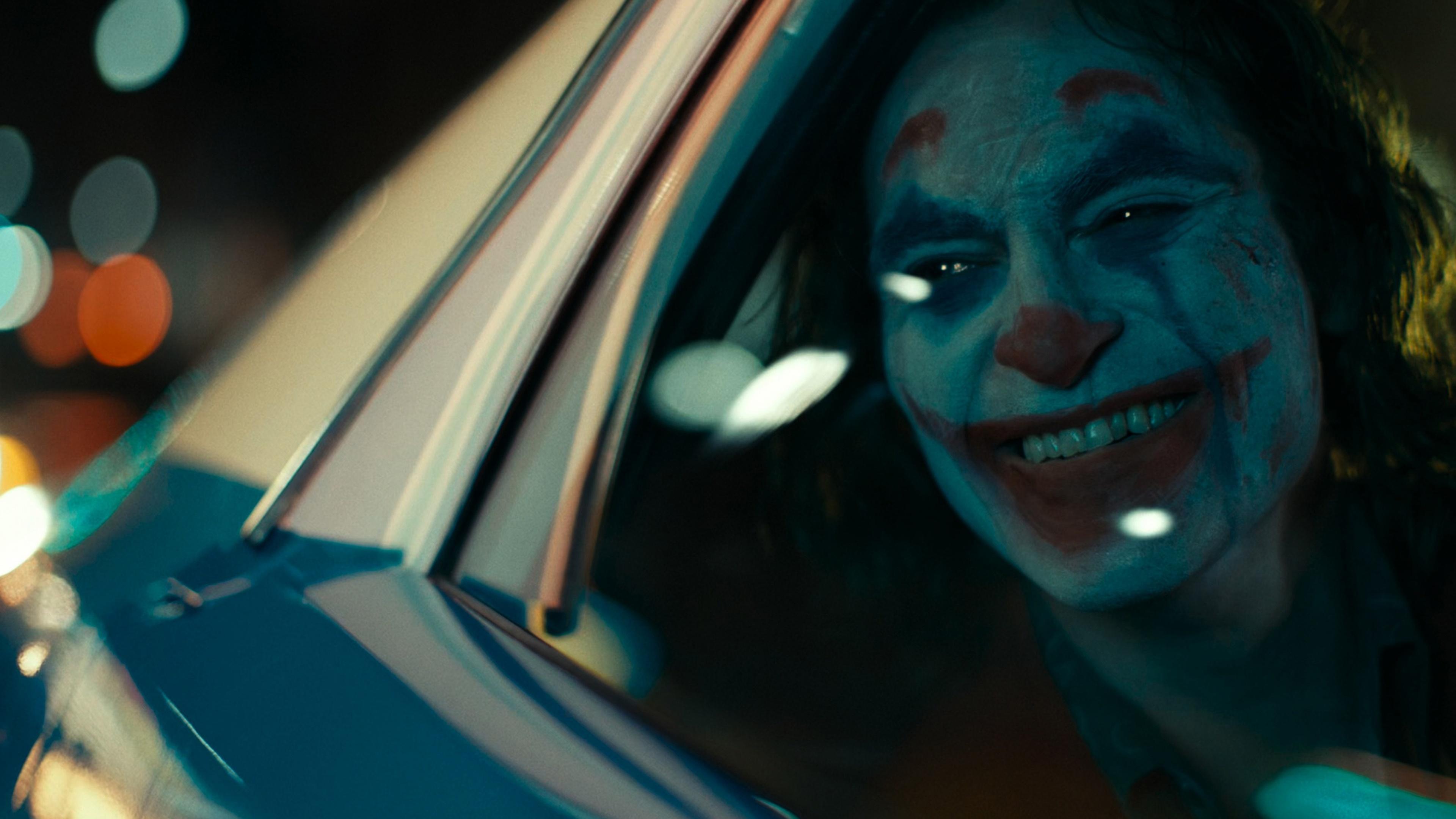 壁紙 3840x2160 ジョーカー 映画 ジョーカー 微笑み 窓 道化師 映画 ダウンロード 写真