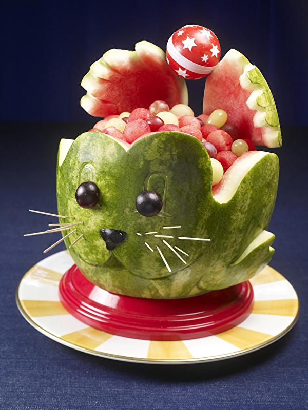 Foto Katze Blumen Wassermelonen Kugeln Teller Design 600x800