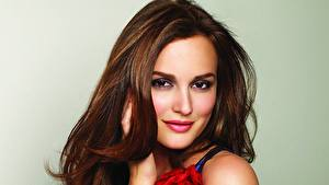 Fotos Leighton Meester Gesicht Starren Lächeln Brünette Haar Braune Haare Prominente
