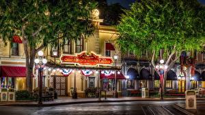 Hintergrundbilder Vereinigte Staaten Haus Disneyland Stadtstraße Straßenlaterne Nacht Bäume HDR Kalifornien Anaheim Städte
