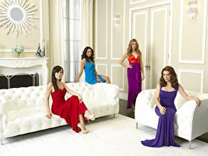 Fonds d'écran Alyssa Milano Asiatique Aménagement d'intérieur Canapé Les robes Célébrités Filles