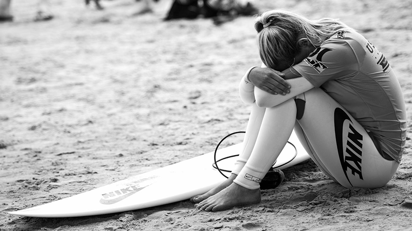 Fonds D Ecran 1366x768 Surf Marque Nike Plage S Asseyant