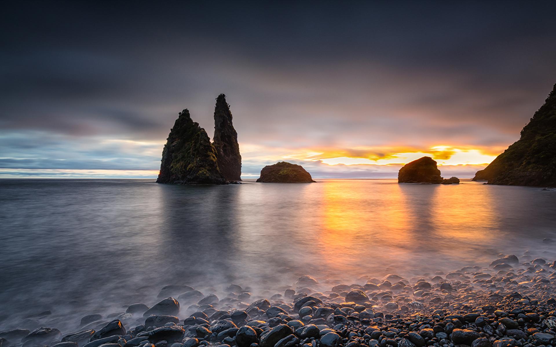Photo Portugal Alagoa Crag Nature Sunrises and sunsets Bay Coast stone 1920x1200 Rock Cliff sunrise and sunset Stones
