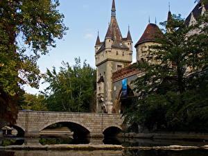 Fotos Ungarn Burg Brücken Budapest Vajdahunyad