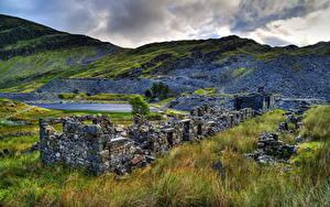 Fotos Vereinigtes Königreich Park Landschaftsfotografie Gebirge Ruinen Gras Snoudoniya Natur