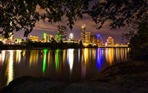 Hintergrundbilder USA Wolkenkratzer Flusse Texas Nacht Austin