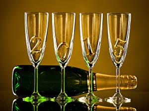 Papéis de parede Feriados Ano-Novo Vinho espumante 2015 Copo de vinho Garrafa