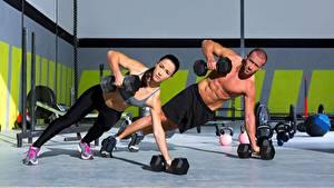 Hintergrundbilder Mann Fitness 2 Hanteln Trainieren Sport Mädchens