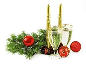 Papéis de parede Feriados Ano-Novo Velas Vinho espumante Galho Bolas Copo de vinho