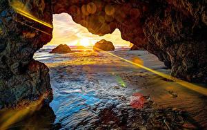 Hintergrundbilder Meer Sonnenaufgänge und Sonnenuntergänge Felsen Lichtstrahl Sonne Strand