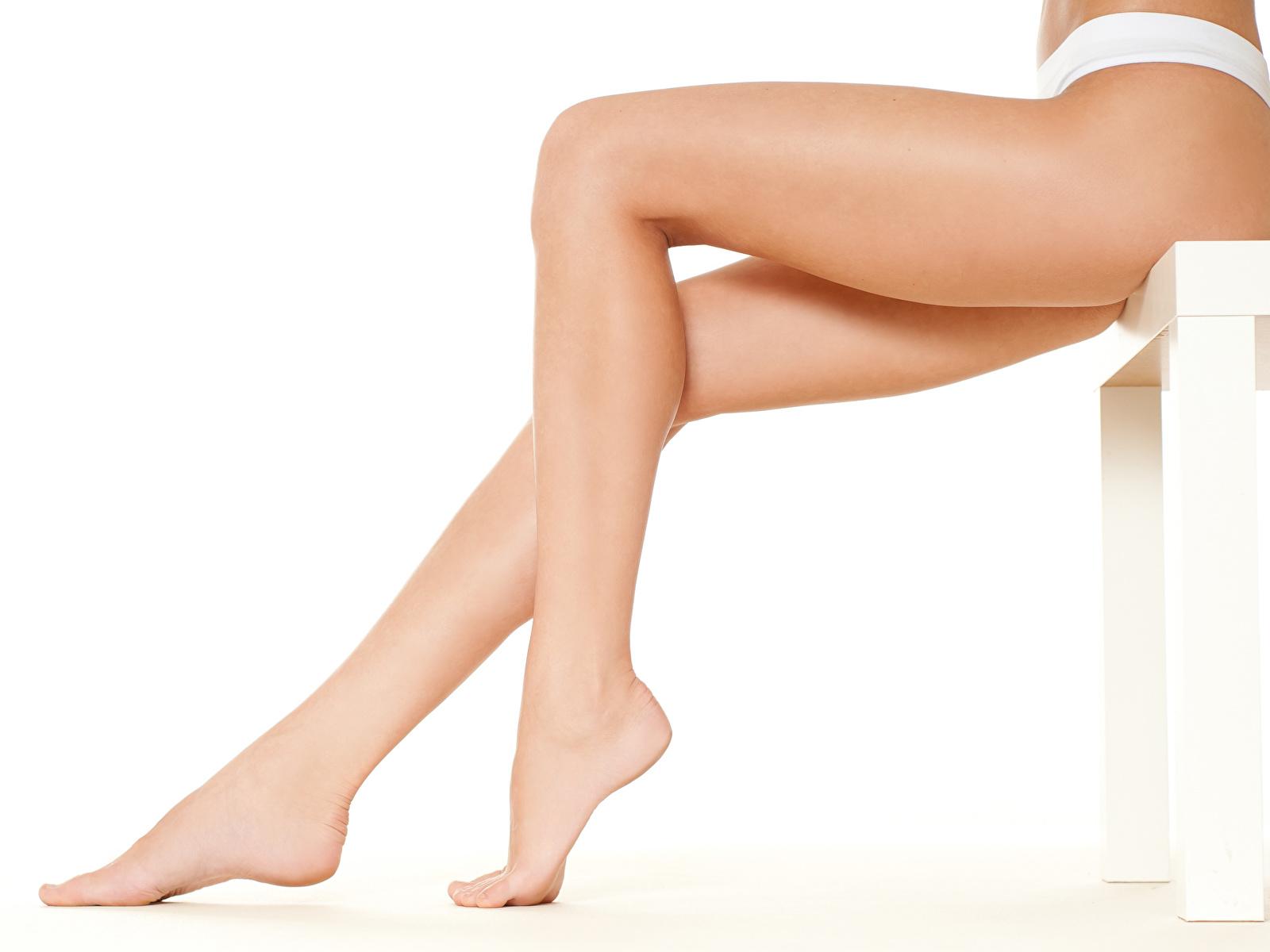 Foto Schön Mädchens Bein Großansicht Weißer hintergrund 1600x1200 hübsch schöne hübsche schöner schönes hübscher junge frau junge Frauen hautnah Nahaufnahme