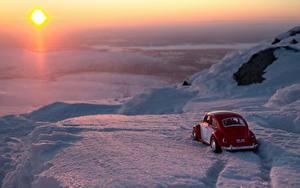 Hintergrundbilder Sonnenaufgänge und Sonnenuntergänge Spielzeuge Antik Schnee Sonne Autos